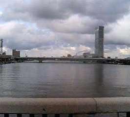 万代橋から1